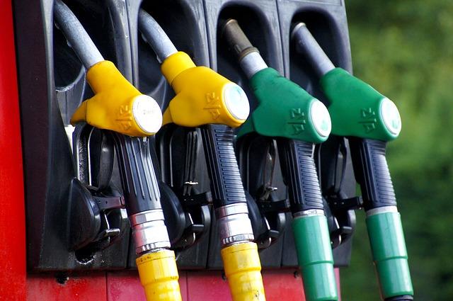 consejos gastar menos combustible coche